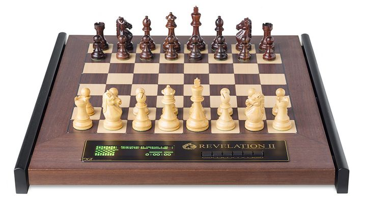 Chess Computer: Revelation II with Royal Piece
